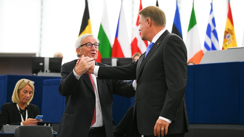 Iohannis, DISCURS în PE: Românii şi-au făcut auzită vocea când au trebuit să apere statul de drept/ Juncker, mesaj pentru România: Trebuie consens naţional pe lupta anticorupţie - VIDEO
