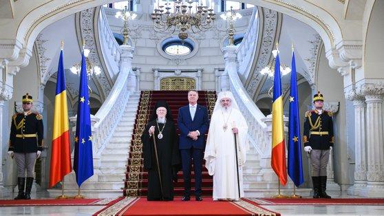 Imaginea articolului Klaus Iohannis i-a primit, la Cotroceni, pe Patriarhii Bartolomeu şi Daniel
