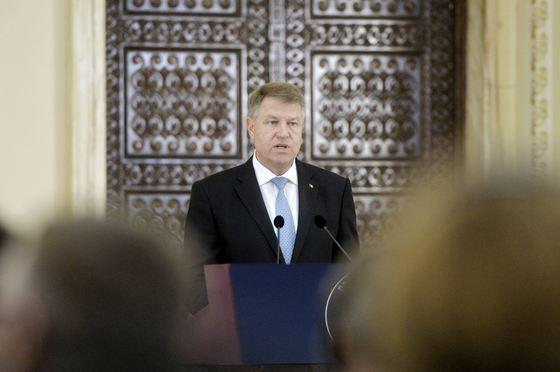 """Iohannis se """"mută"""" la Palatul Victoria: Voi participa la şedinţele de guvern"""