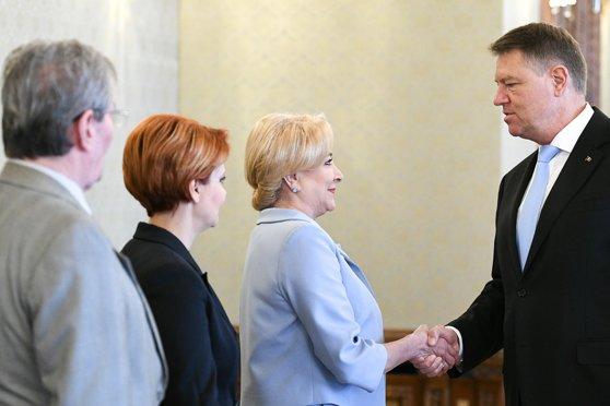 Imaginea articolului Dăncilă i-a trimis o nouă scrisoare lui Iohannis: Beneficiez de dreptul exclusiv de alegere a miniştrilor | DOCUMENT