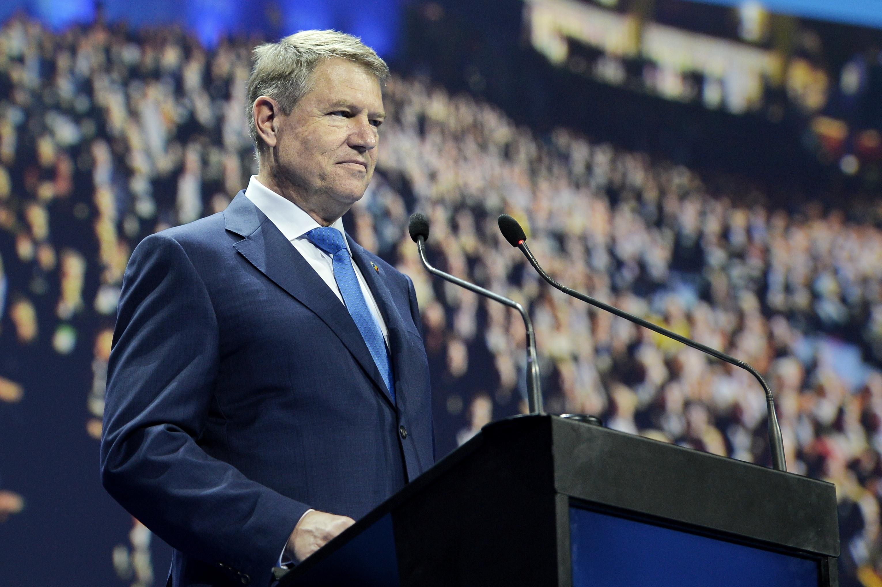 VIDEO Iohannis: Am început să reevaluez ideea unui referendum pentru a da românilor votul înapoi/ Problema se numeşte PSD. De-asta am ajuns să căutăm garanţii ale democraţiei şi bine facem