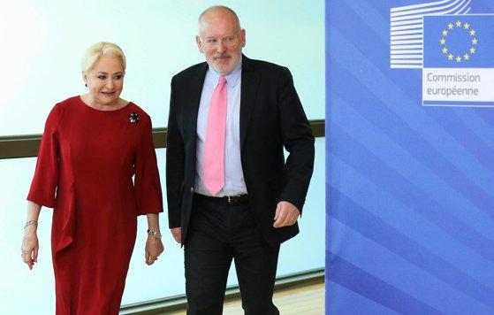 Imaginea articolului Viorica Dăncilă i-a promis lui Timmermans că Guvernul nu va adopta OUG pe Codurile penale