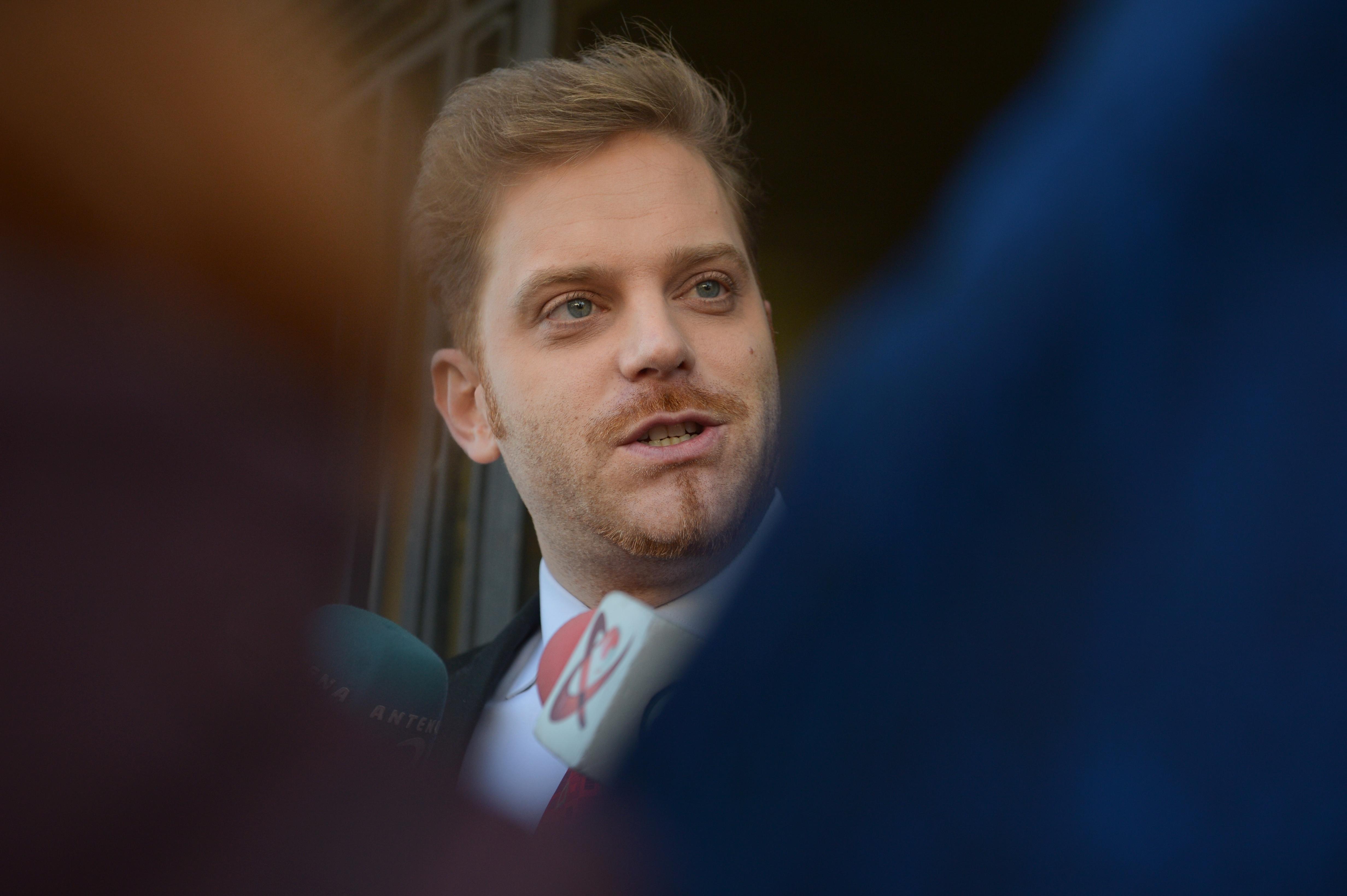 """Fostul ministru Ilan Laufer este audiat de poliţişti. Are calitatea de suspect în dosarul delapidărilor de la magazinul """"Unirea"""""""