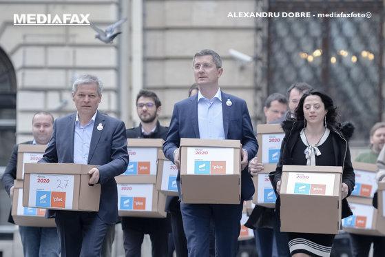 Imaginea articolului Dacian Cioloş îşi nuanţează declaraţiile: Nu au cum să existe neînţelegeri cu Dan Barna. Suntem gata oricând să intrăm la guvernare