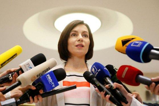 Imaginea articolului Maia Sandu îi mulţumeşte lui Klaus Iohannis pentru implicarea în rezolvarea crizei din Republica Moldova