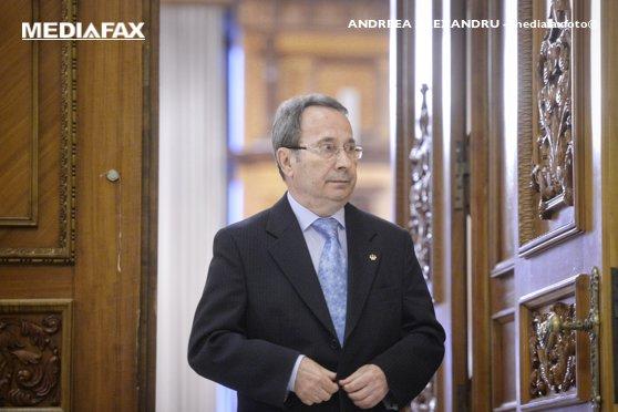 Imaginea articolului Valer Dorneanu, reales în funcţia de preşedinte al CCR