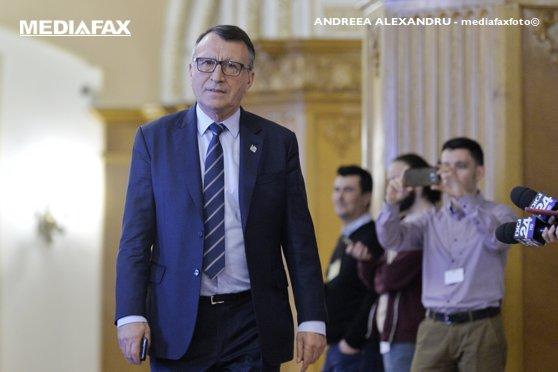 Imaginea articolului Paul Stănescu despre prezidenţiabilul PSD: Niciunul nu e bun, poate doamna Firea ar putea