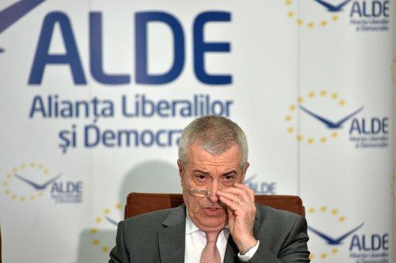 Imaginea articolului Tăriceanu, despre numirea lui Ioan Mircea Paşcu drept comisar european: Apare o cortină între ţările din Vestul şi Estul Europei. Iohannis să pună piciorul în prag