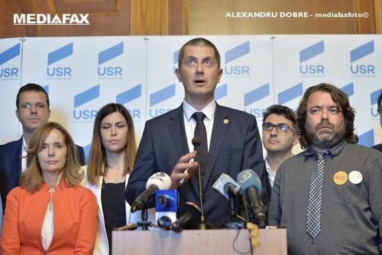 Imaginea articolului USR a modificat statutul. Preşedintele partidului, ales prin vot direct de toţi membrii