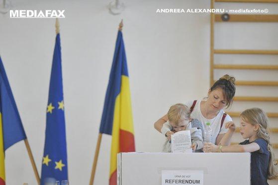 CCR a transmis, miercuri, Parlamentului Hotărârea prin care a validat referendumul pe justiţie
