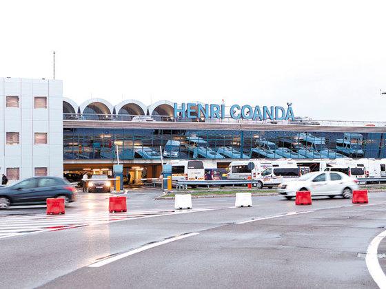 Imaginea articolului Ministrul Transporturilor: La Otopeni s-au asfaltat parcările şi a fost semnat contractul pentru reparaţia pistei 2