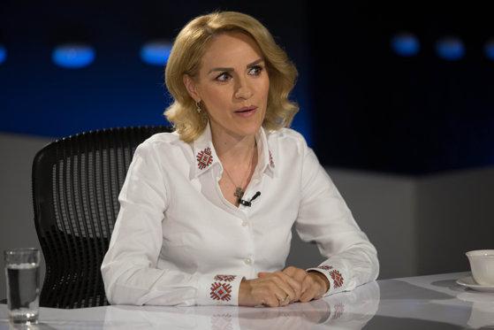 Imaginea articolului Gabriela Firea a anunţat că îşi retrage candidatura la prezidenţiale - surse