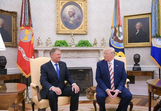 Imaginea articolului Klaus Iohannis, după întâlnirea cu Doanald Trump: A fost semnat un memorandum de înţelegere între guverul României şi cel al SUA privind tehnologia 5G/ Cei doi au discutat despre legea offshore şi OUG 114