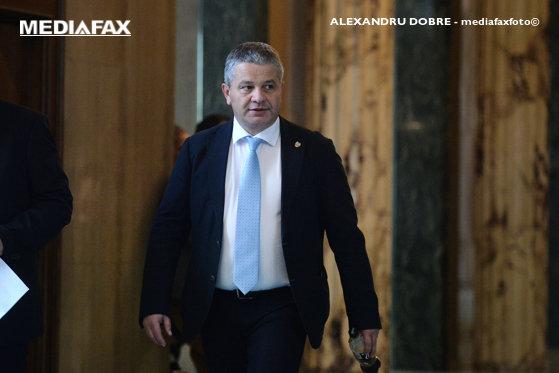 Imaginea articolului Comisia juridică a Senatului îl va audia, marţi, pe fostul ministru al Sănătăţii Florian Bodog