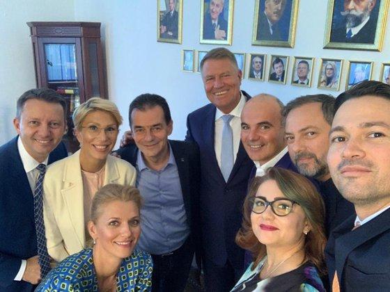 Imaginea articolului Klaus Iohannis a mers la sediul PNL/ Ludovic Orban: Pregătim depunerea candidaturii