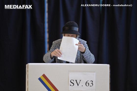Imaginea articolului Prezenţe record în ţară, în primele 3 ore de vot. Secţia cu 82% participare
