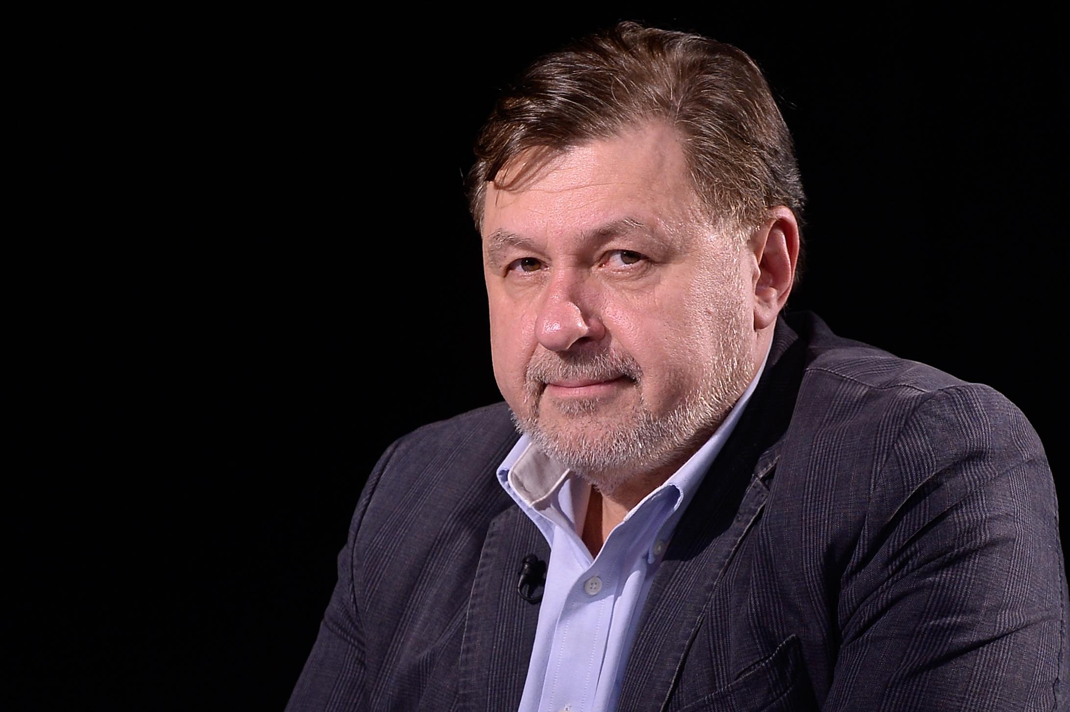 """Vlad Voiculescu, în """"capcana ziariştilor"""". Cum interpretează Rafila gafele ministrului: """"Lipsă de asumare de responsabilitate"""""""