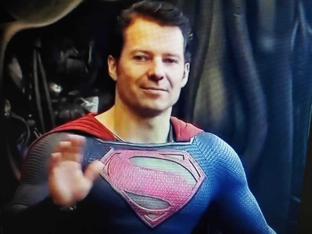 Florin Cîţu se compară din nou cu Superman, după ce a câştigat şefia PNL