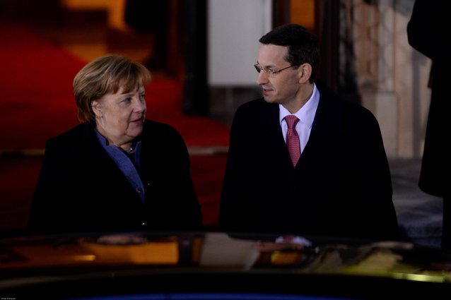 Declaraţie surprinzătoare dată de Merkel în conflictul dintre UE şi Polonia. Neînţelegerile politice nu se pot rezolva prin procese în instanţă. Tonul negativ faţă de Polonia nu e bun|EpicNews