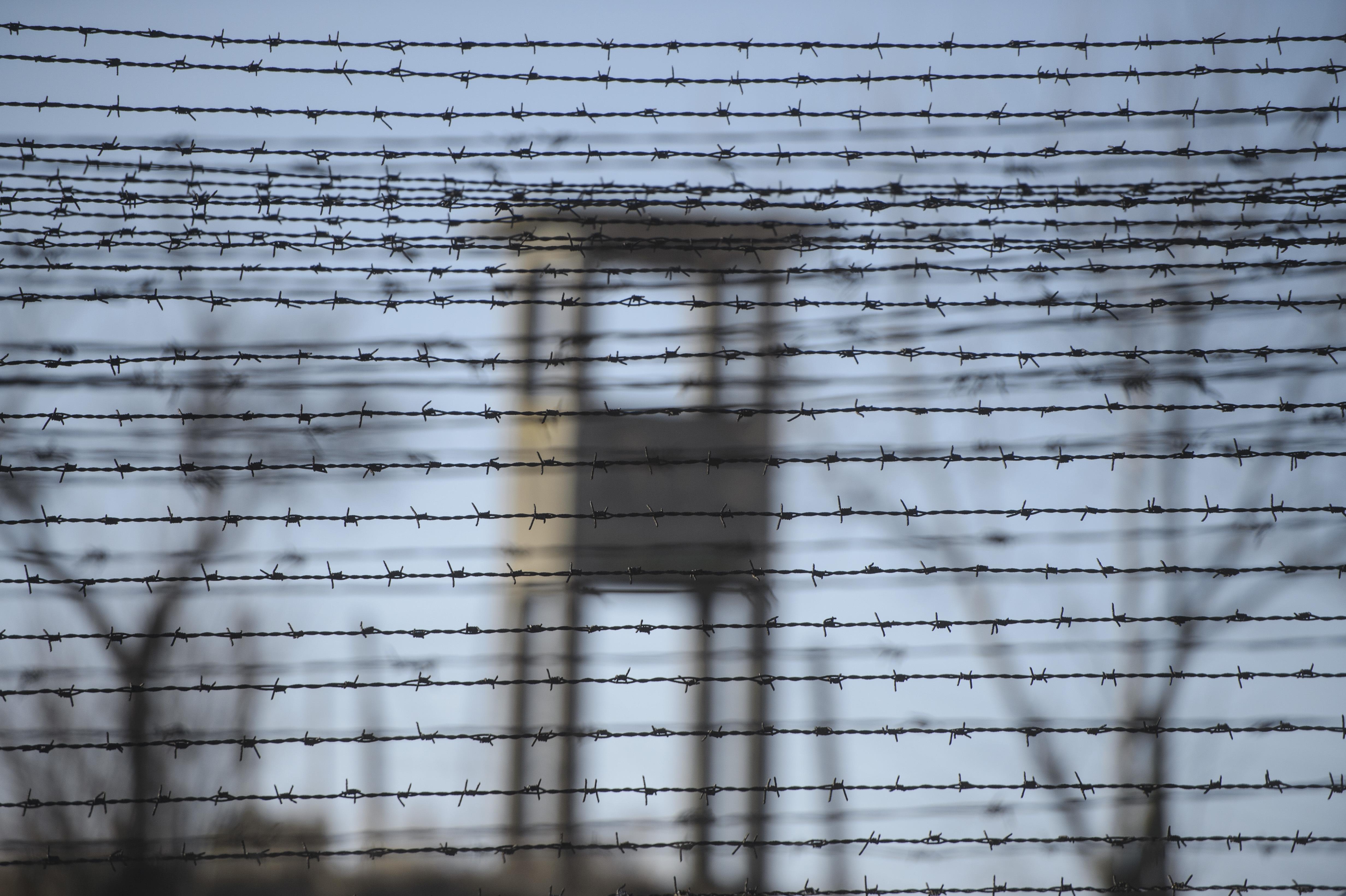 DIZGRAŢIAŢII Dezvăluiri din Spitalul Penitenciar Jilava unde, în fiecare an, peste 5.000 de oameni lipsiţi de libertate ajung la tratament. Angajaţi care acuză că au luat TBC de la deţinuţi