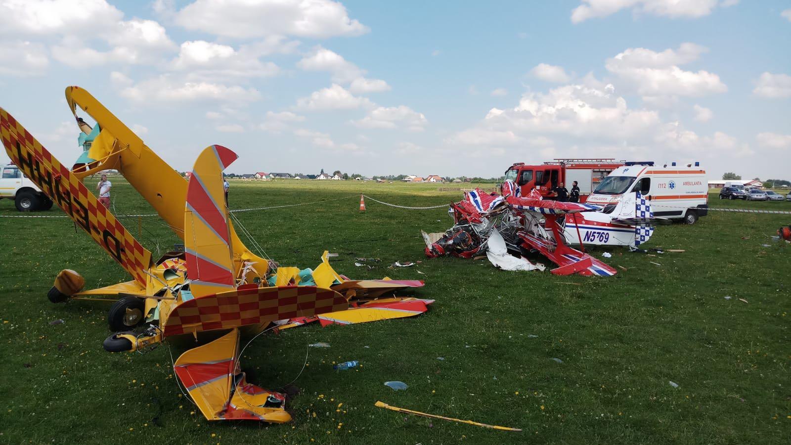 ACCIDENT AVIATIC la Frătăuţii Vechi: Două avioane de mici dimensiuni s-au ciocnit în zbor/ Pilotul Cornel Marinescu a murit. Cel de-al doilea, Sorin Bochiş, este în stare gravă la Spitalul de Neurochirurgie din Iaşi/ UPDATE: VIDEO cu momentul accidentului