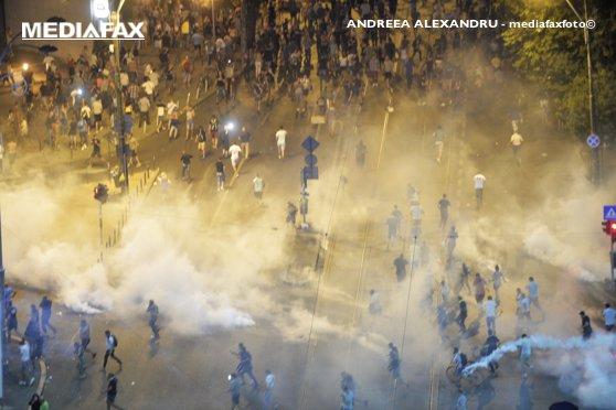 Imaginea articolului Câte apeluri de urgenţă au fost date din Piaţa Victoriei în seara protestului din 10 august. Datele au fost transmise de STS procurorilor