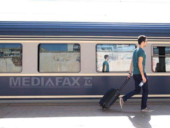 Imaginea articolului Ministerul Turismului: Angajaţii de la stat vor primi vouchere de vacanţă şi anul viitor
