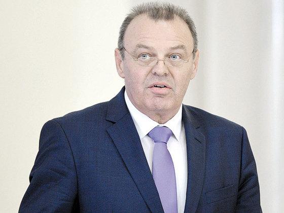 Imaginea articolului Transportatorii cer demisia ministrului Lucian Şova. Mai multe mitinguri vor întrerupe transportul în ţară