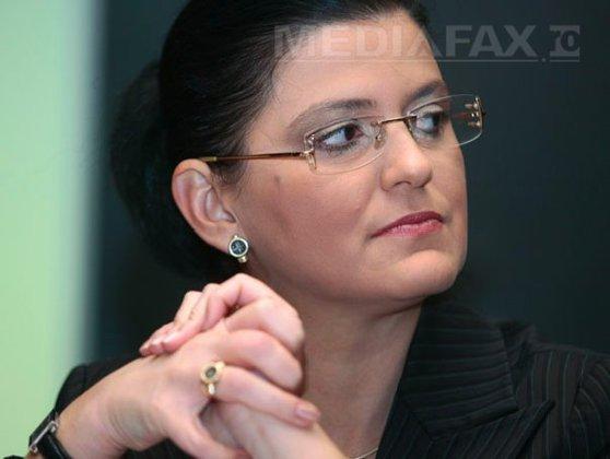 Imaginea articolului Fost ministru al Transporturilor, la DNA: Sunt în calitate de martor într-unul din dosarele de cercetare penală