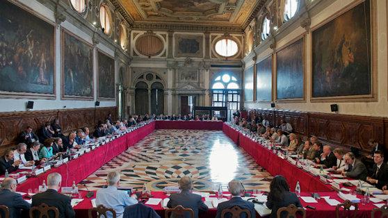 Imaginea articolului Comisia de la Veneţia are pe ordinea de zi a şedinţei de azi două opinii privind justiţia din România / Florin Iordache participă la dezbatere