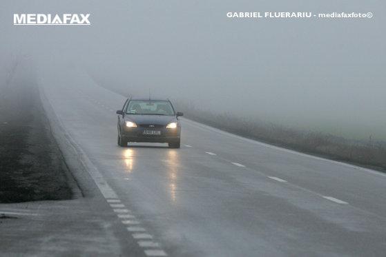 Imaginea articolului Circulaţia este îngreunată pe mai multe artere rutiere din ţară din cauza ceţii