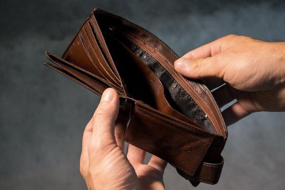 Imaginea articolului Mai mult de jumătate dintre români nu pot face faţă unei cheltuieli neprevăzute