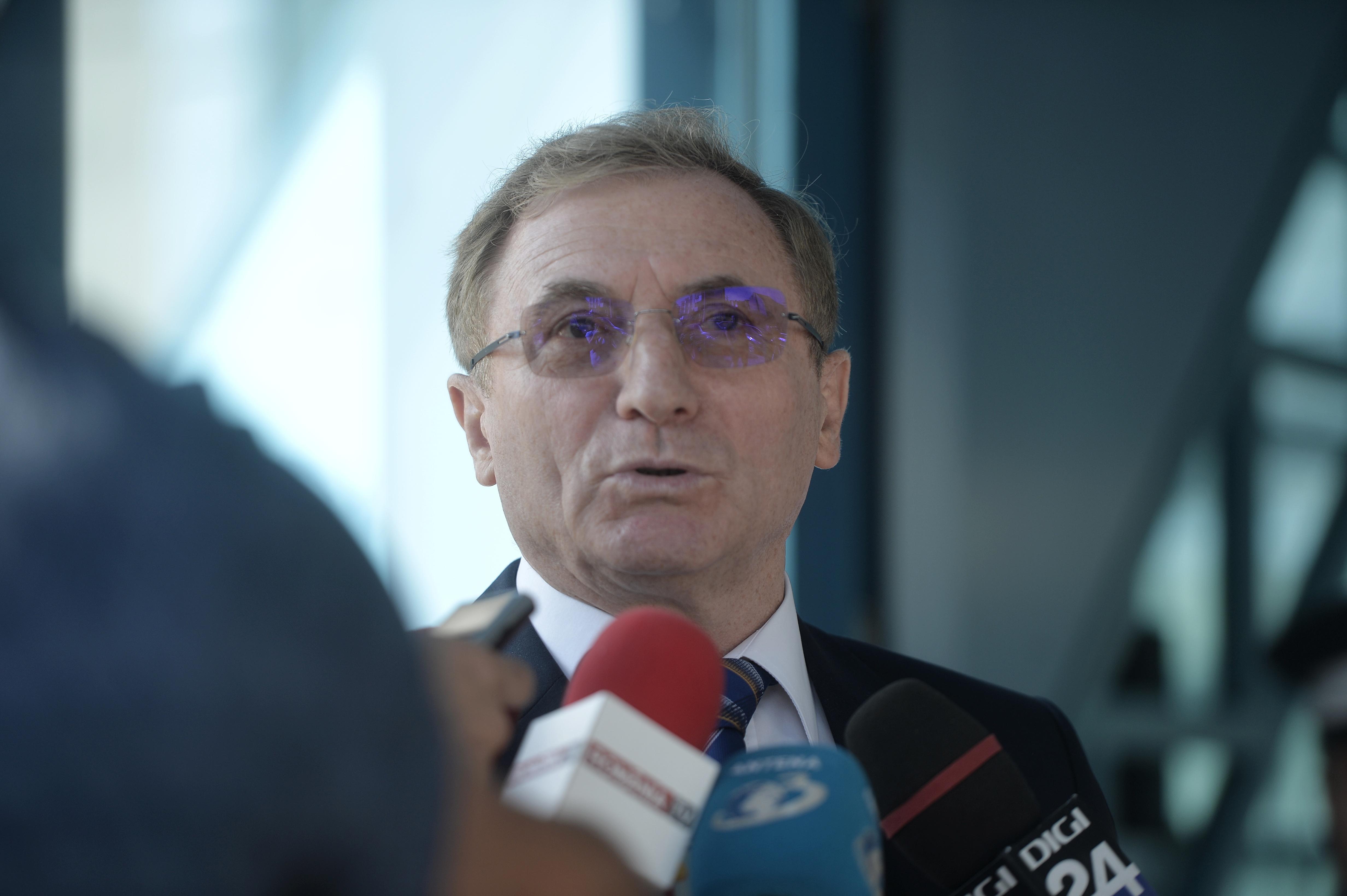 Lazăr anunţă că şi-a depus candidatura pentru un nou mandat de procuror general: Am mers la ministru | VIDEO