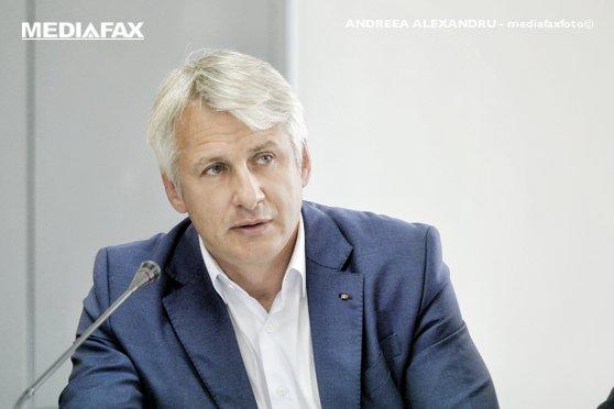 """Imaginea articolului Teodorovici, după ce a vorbit din nou de """"soluţii"""" privind limitarea liberei circulaţii: Când mă gândesc la interesul economic al României, da, înţeleg să fiu şi agresiv"""