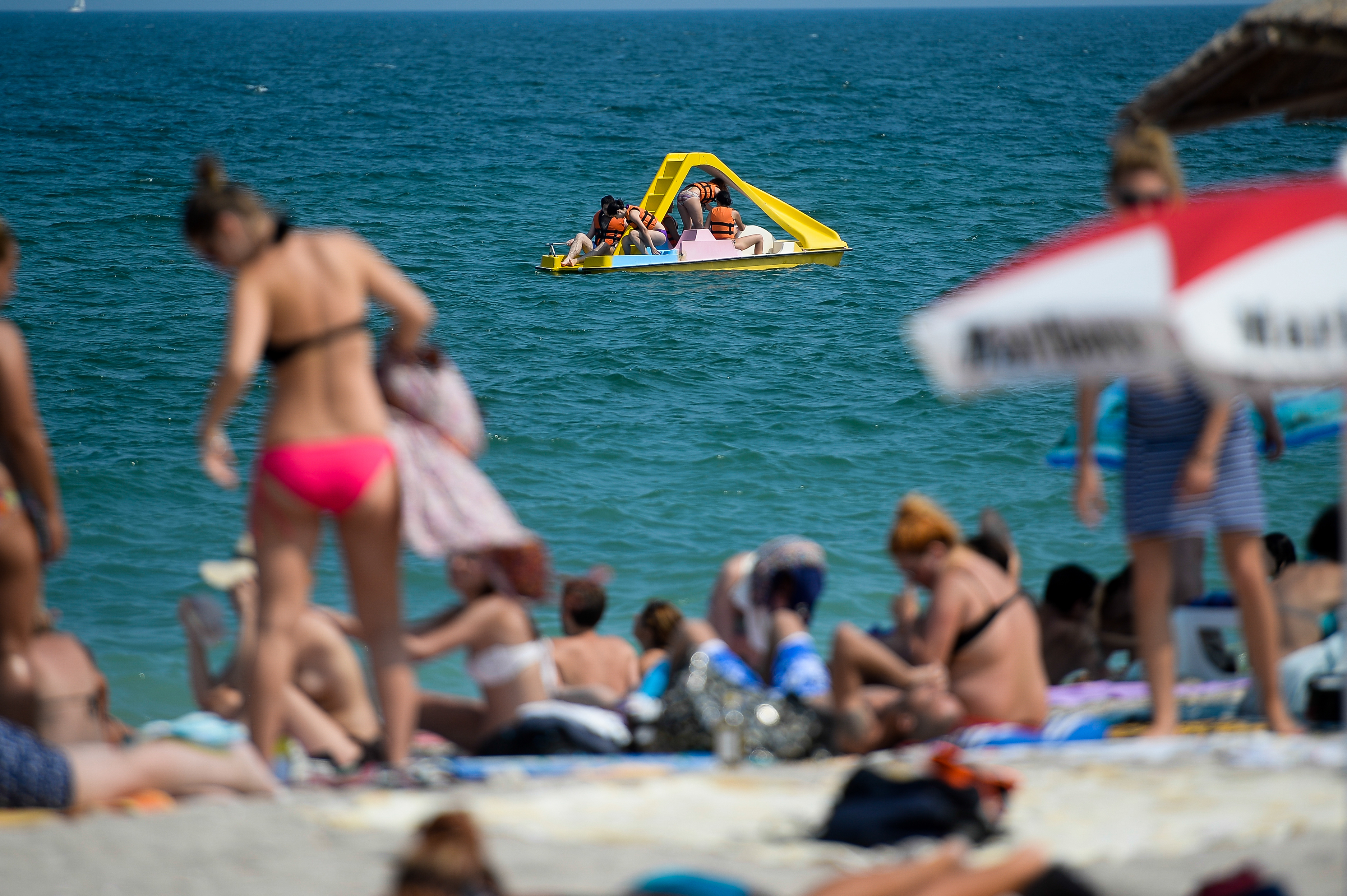 Hotelierii de pe litoral cer ca vacanţa elevilor să nu se scurteze pentru că le-ar afecta afacerile