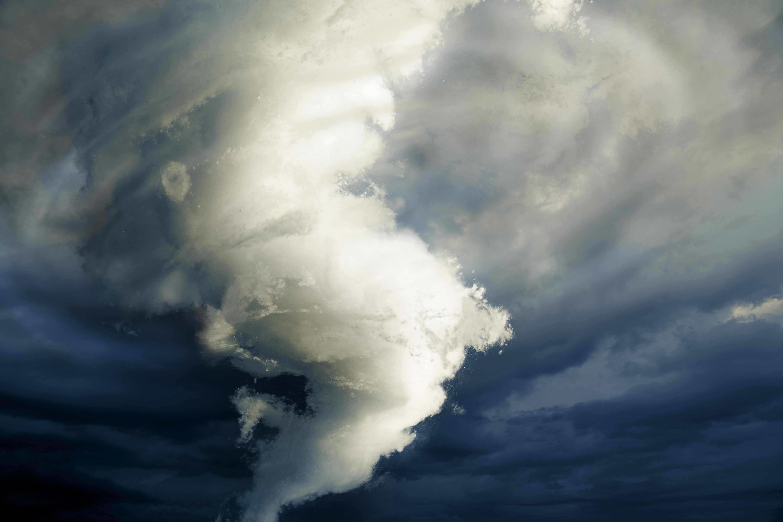 ANALIZĂ: Cum ar trebui să se pregătească organizaţiile pentru fenomene extreme precum tornadele