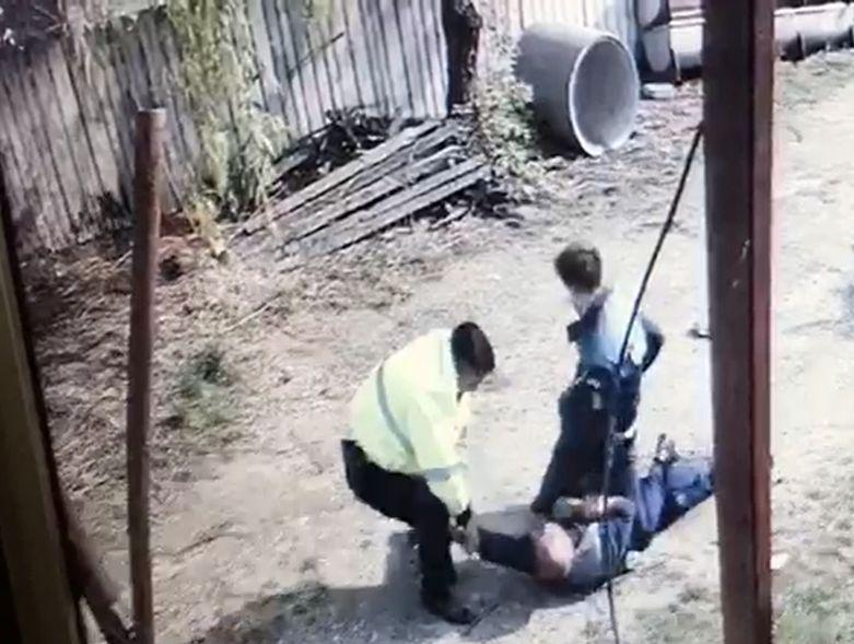 Anchetă la Vaslui, după ce un bărbat care s-a opus reţinerii acuză că a fost BĂTUT de poliţişti | VIDEO