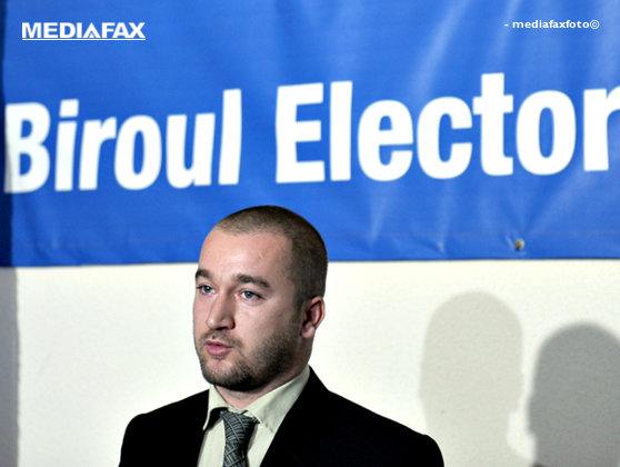 Imaginea articolului Referendumul, rămas nevalidat, la peste două săptămâni de la vot. Preşedintele CCR cere lămuriri BEC-ului. Solicitarea, analizată vineri