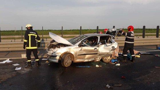 Imaginea articolului Accident cu opt răniţi pe Autostrada A1, în urma impactului dintre două maşini. Circulaţie blocată