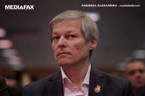 Imaginea articolului Cioloş: Candidez pentru şefia grupului Înnoim Europa, dar rămân activ şi în politica din ţară