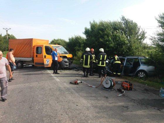 Imaginea articolului Accident cumplit în Braşov: Şase răniţi în urma coliziunii dintre o autoutilitară şi un autoturism/ Angajaţi ai DRDP, răniţi în accident