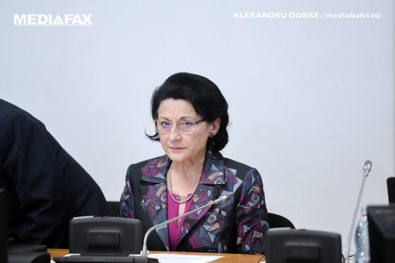 Imaginea articolului Ecaterina Andronescu, mesaj pentru elevii care i-au cerut subiectele la Evaluarea Naţională:  Nu am cum să fac lucrul acesta şi nici nu-l voi face niciodată   VIDEO