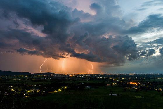 Imaginea articolului COD ROŞU de grindină, vijelii şi ploi torenţiale într-un judeţ din România