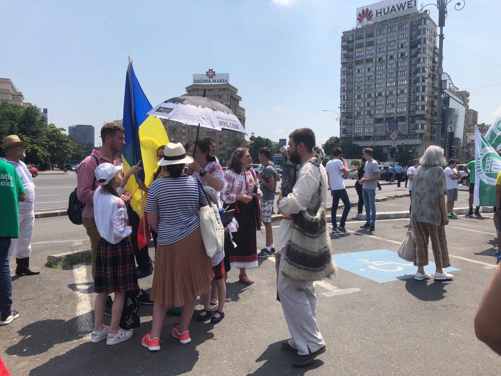Sute de oameni au participat la Marşul Normalităţii din Bucureşti. Ce au strigat oamenii în stradă