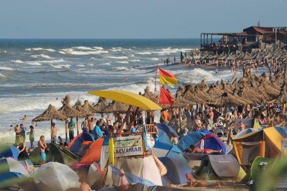 Imaginea articolului Luna lui Cuptor vine cu preţuri mai mari pe litoral: De la 1 iulie, cresc tarifele/ Patronatele din Turism: Nu avem bani, dar mergem când e cel mai scump