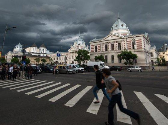 Imaginea articolului Meteorologii au emis COD PORTOCALIU de ploi, vijelii şi grindină pentru Capitală