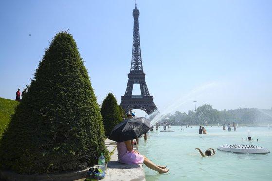 Imaginea articolului CANICULA pârjoleşte Europa: Temperaturi record în Franţa şi cod roşu pentru regiuni din sudul ţării