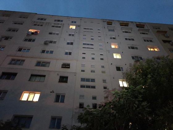 Imaginea articolului Incident grav: Un copil de doi ani a murit după ce a căzut de la etajul nouă al unui bloc