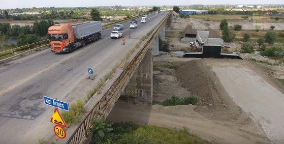 Imaginea articolului Podul peste Argeş de la Adunaţii Copăceni, închis pentru şase luni