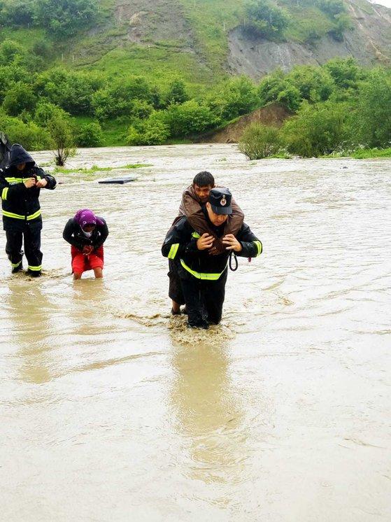 Imaginea articolului Mesaj IGSU: Riscuri intensificate, salvatorii intervin zilnic la peste 1.300 de situaţii de urgenţă